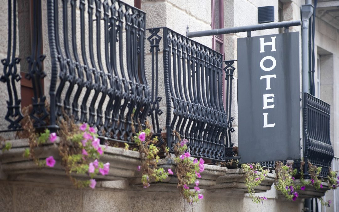 7 Hotel marketing strategies to find (and keep) your audiences
